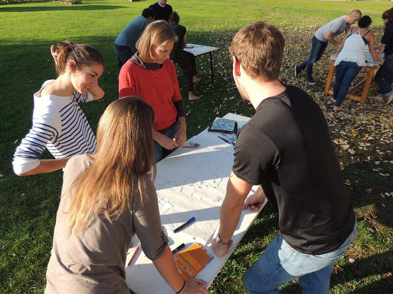 Accueil de groupes scolaires, l'association Uzeste d'Audace mets à votre disposition différents ateliers sur la transition écologique pour vos jeunes.